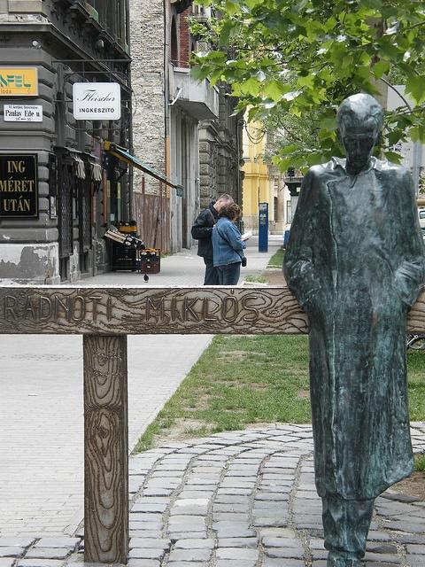 Radnóti statue by Imre Varga