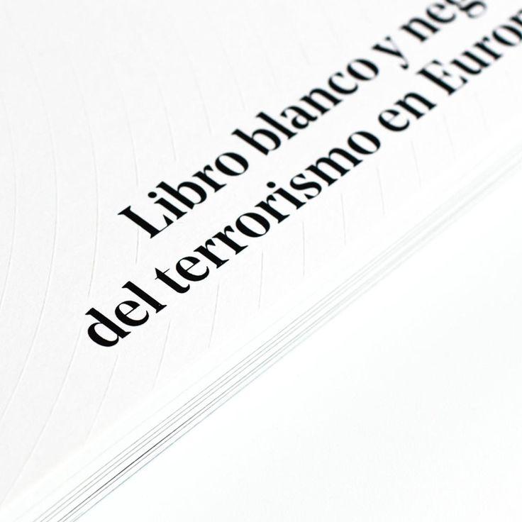 En lo más fffres.co: Libro blanco y negro del terrorismo en Europa, de Relajaelcoco: Jugando con la jerarquía cromática y la iconografía…