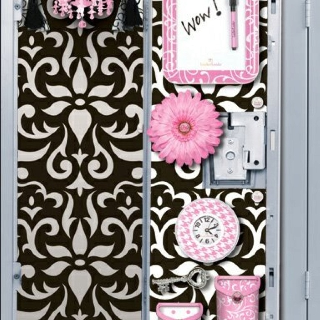 Want a cool locker like this one?! Use Locker Lookz things to create a perfect locker!:)