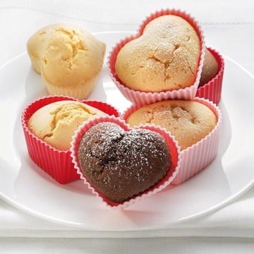 Szív alakú muffin szilikon sütőforma; 4 db http://www.nosaltywebshop.hu/termek/sziv-alaku-muffin-szilikon-sutoforma-4-db/