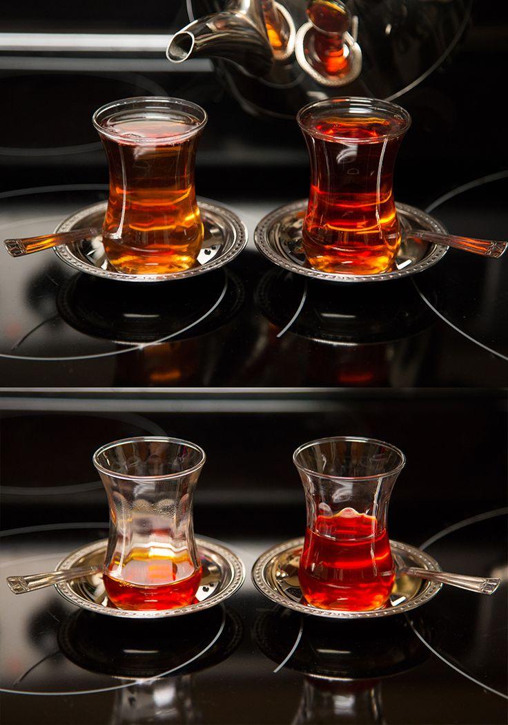 Turcia se numara printre statele care au adoptat ceaiul cu usurinta si si-a dezvoltat un mod propriu de servire si preparare. Mai mult decat atat, turcii au declarat ceaiul negru bautura lor nationala, iar astazi reprezinta un stil de viata in bogata lor cultura.  https://www.landoftea.ro/istorie-si-traditii-ale-ceaiului-turcesc