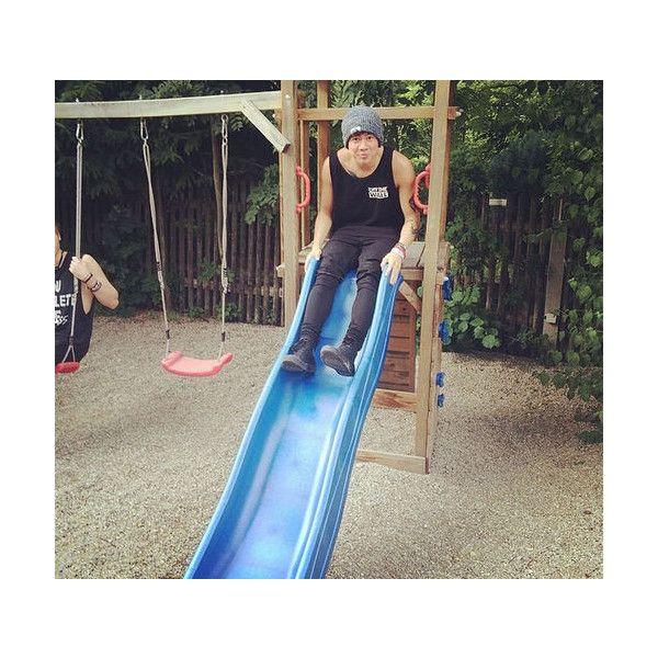 said he got stuck, ily calum! We Heart It ❤ liked on Polyvore featuring 5sos, calum and calum hood