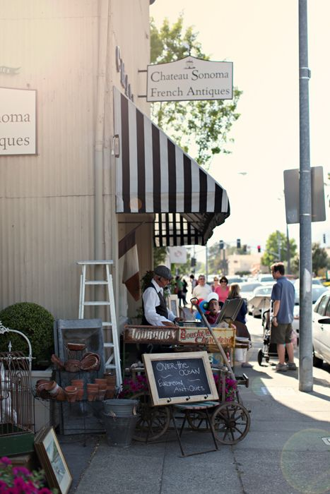 Oh how I'd love to go to this French flea market in Sonoma, CA...