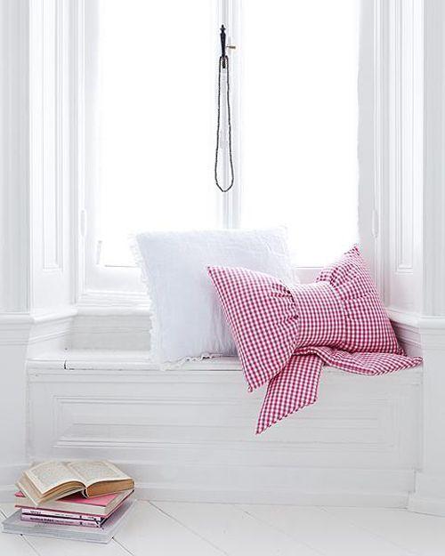 Gingham+Fabric+Bow+Cushion+Pillow+Tutorial Bow Cushion Tutorial in English