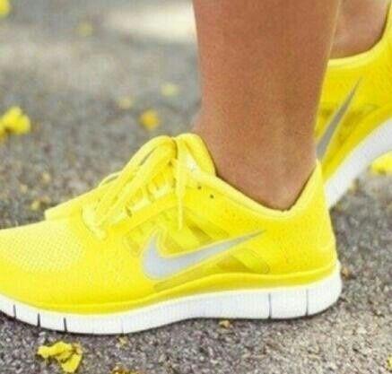 neon yellow womens running shoes