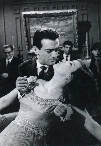 """Αλέκος Αλεξανδράκης & Τζένη Καρέζη - """"Δεσποινίς Διευθυντής"""" (1964)"""