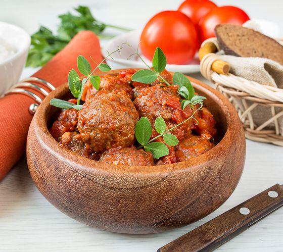 Фрикадельки в марокканском стиле в томатном соусе