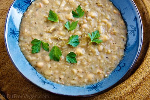 New Orleans' Style White Beans - a vegan, low fat recipe that can be made in the pressure cooker (or not).