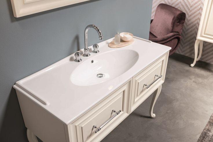Lavabo Maschera #GaiaMobili #gaia #bathroom #bagno #bathroomideas #bath #madeinitaly #italian #bathroompics #architect #interior #interiordesign #designer #furniture #wood #laccato #ral #lacquered #arredamento #showroom #mirror #luxurybathroom #classic #classicbathroom #arredobagno #mobiledabagno #italianstyle #ceramic #ceramica #taps