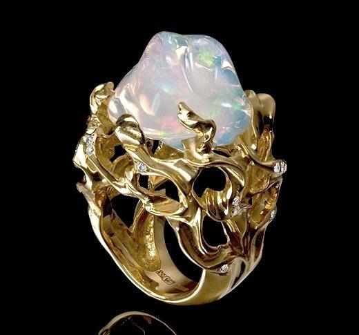 Opal and gorgeous yellow gold