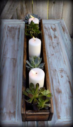 Bonito detalle para una mesa, realizar un macetero con una caja de palets o bien realizarla con maderas, y plantas suculentas, aportando originalidad en forma de centro a nuestra mesa, me encanta!!!!