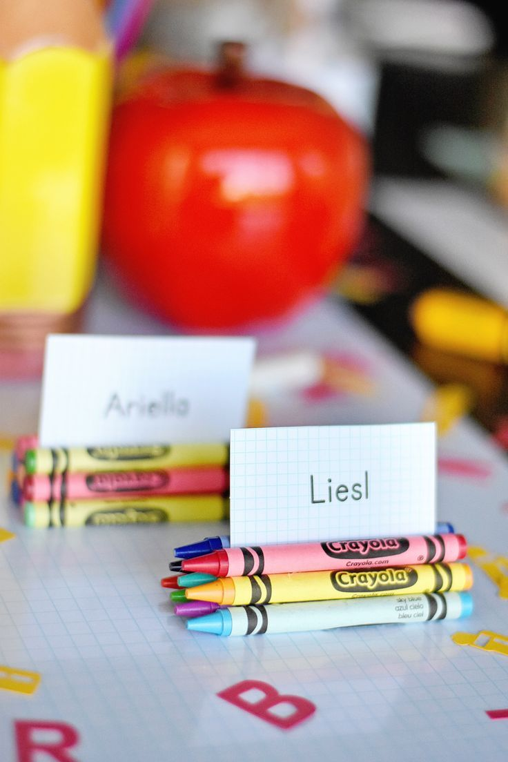 Back to School Party Place Cards - all it takes is hot glue and crayons!