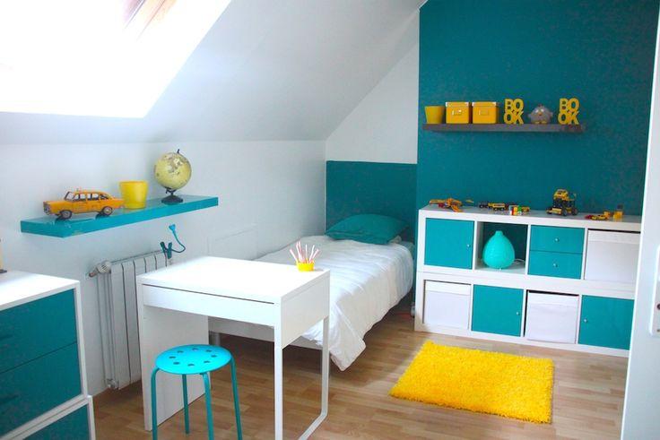Décoration chambre enfant bleu et jaune