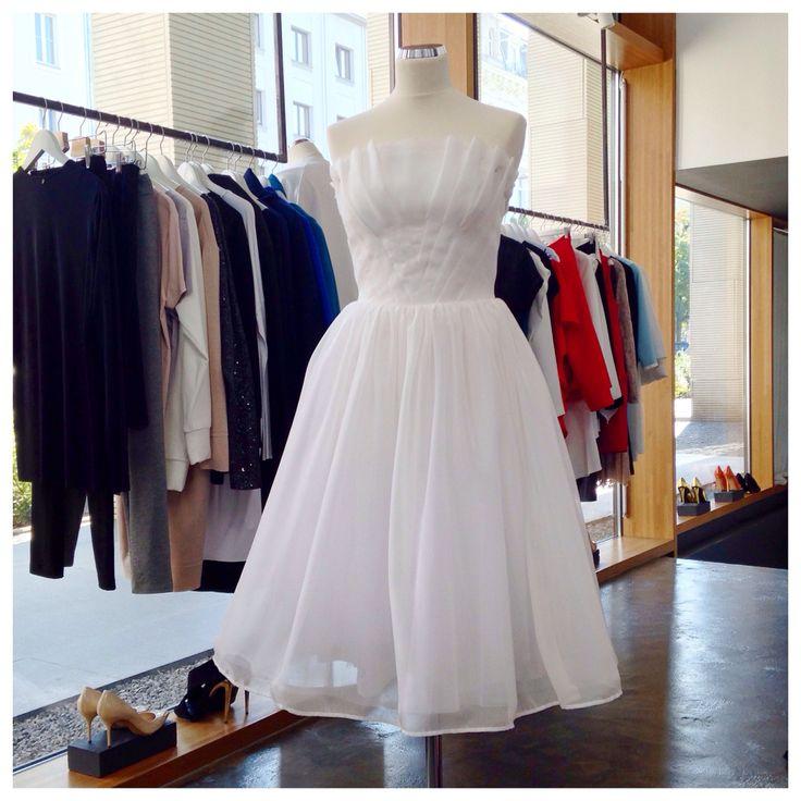 Jedwabna, gorsetowa sukienka z wachlarzem z kolekcji THECADESS  AW 2014/15 Cena 2200 PLN