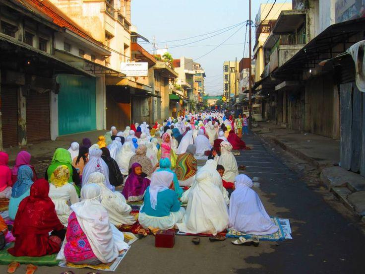 Ramadan in Bali's street