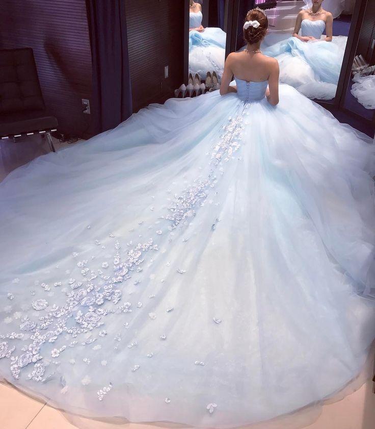 温かみのあるブルーのカラードレス♡ ふわっふわのチュールが自然なのにボリューミ―で可愛い*レース刺繍がポイント ・ ・ #カラードレス #ドレスショップ #ドレス迷子 #海外ウェディング #日本中のプレ花嫁さんと繋がりたい #ウェディングドレス選び #ウェディングドレスショップ #ウェディングドレス試着#dress #weddingdress #wedding #結婚準備#結婚式 #結婚式準備 #プレ花嫁 #ドレス迷子 #s #関西プレ花嫁 #二次会 #関西#大阪#南堀江#心斎橋#日本#2017春婚 #2017秋婚 #2017冬婚 #marry花嫁図鑑 #marry花嫁 #love #全国のプレ花嫁さんと繋がりたい
