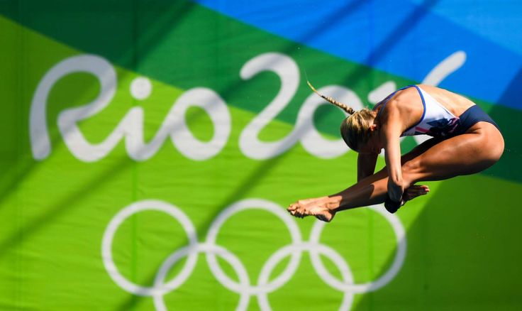 Tonia Couch (GBR) during the women's 10m platform semifinals.