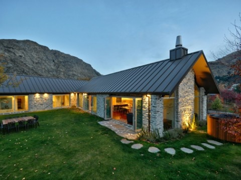 Luxury Queenstown Holiday Home, Gucci House | Amazing Accom