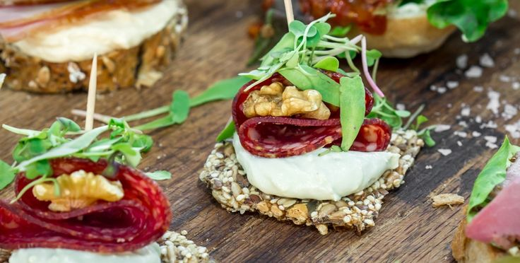Gorgonzola paté, Hartlief Windhoek Salami Bites with walnuts - A Banting snack platter for those with more discerning tastes.