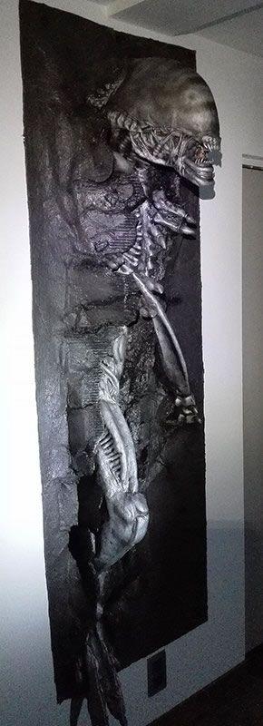 Lifesize Alien Warrior 3D Wall Art Brings The Terror Of A Rampaging Xenomorph Home -  #alien #art #scifi