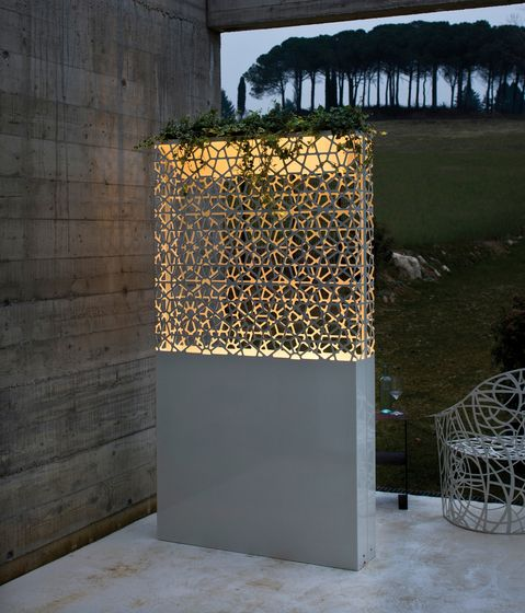 Plant holders-Plant stands | Complements | Dafne Lamp | De. Check it on Architonic