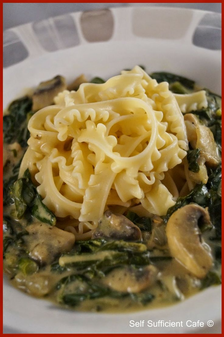 Self Sufficient Cafe: Specials Board: Kale & Mushroom Pasta