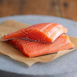 6 of the Healthiest Fish to Eat [And 6 to Avoid] ||   The best and worst seafood choices for your health and the environment.