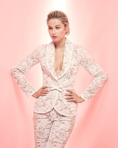 LookBook by Gionni Straccia Spring/Summer 2017. Model: Xenia Micsanschi #stylefashion #style #gowns #womensfashion #womenswear #womensclothing