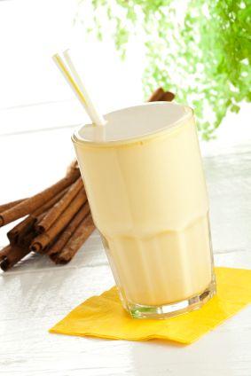 Apple Oatmeal Shakeology Vanilla Shakeology  www.myshakeology.com/atabarracci  #smoothies #shakeology #healthymeal
