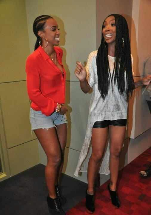 Kelly Rowland and Brandy Norwood rockin braids!