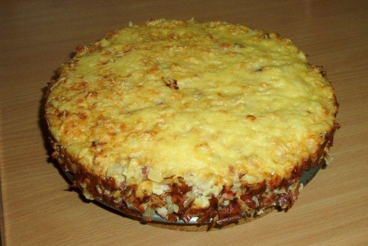 """Saftiger Zwiebelkuchen der """"rucki-zucki"""" fertig ist. Alle Zutaten in eine Schüssel geben, Deckel drauf, schütteln und dann ab in den Ofen!"""