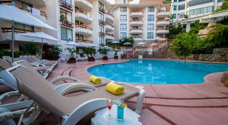 Park Royal Acapulco-All Inclusive Family Beach Resort Acapulco In an upscale residential neighborhood, overlooking south Acapulco Bay, this all-inclusive resort is on a green hillside and offers a private beach, an on-site spa and a variety of dining options.