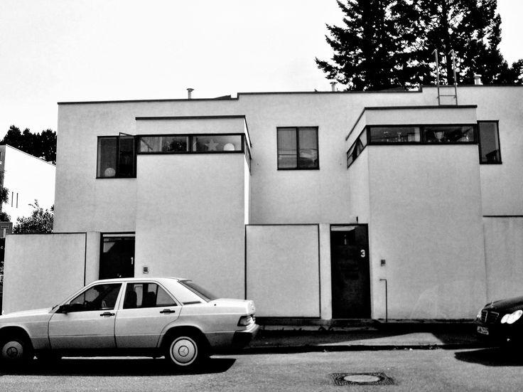 173 best images about maestri j j p oud on pinterest le for Villas weissenhofsiedlung