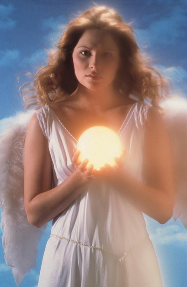 How to recognize signs of Archangel Jophiel, the angel of beauty, when she is communicating with you...