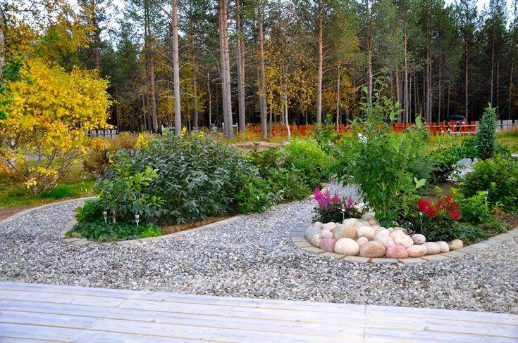 Les 25 meilleures id es de la cat gorie jardin en gravier sur pinterest cr ation de jardin - Faire une allee en bois ...