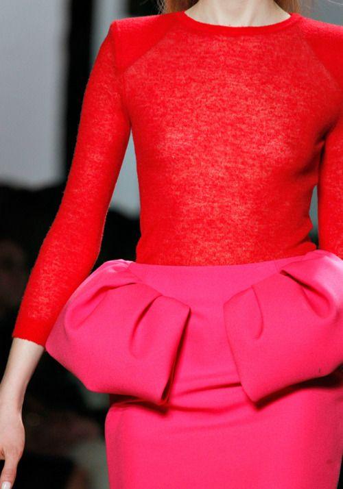 Giambattista Valli Fall 2011 rtw: Colors Combos, Giambattista Valli, Pink Skirts, Dresses Red, Menu Function, Pink Fashion, 2011 Rtw, Peplum Skirts, Fall 2011