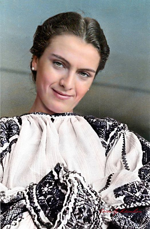 Maria Tănase în costum naţional | Flickr - Photo Sharing!
