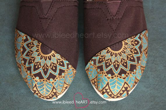 Mandala Henna Mehndi Flower Custom Painted TOMS by ibleedheART