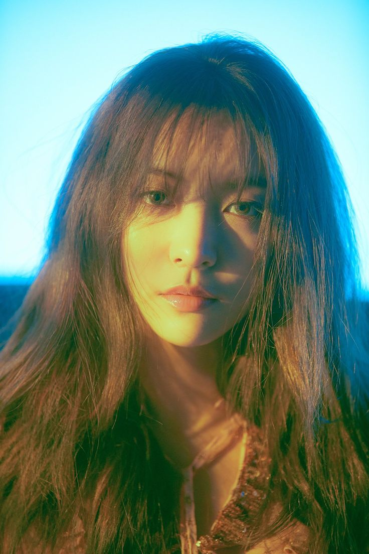 f (x) Luna surprised by the choice of its title song