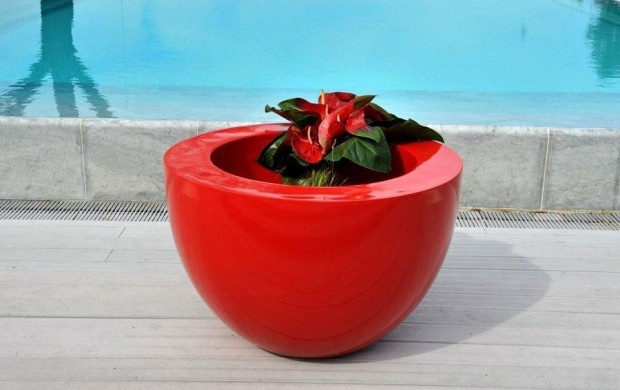 Unique and colorful Vases Design for Modern Garden Accessories by Jardinico Red Half Oval