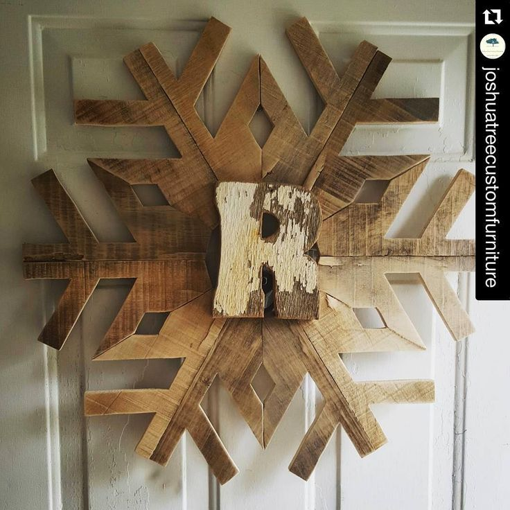 """I love this reclaimed wood version of the wood snowflake! You can take the snowflake pattern and cut out 12 and piece together instead of all from…"""