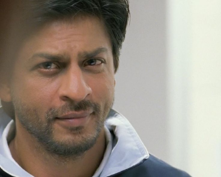 "[HQ Caps] Shah Rukh Khan [ @Omg SRK ] in film ""ChakDe! India"" (2007) || All Pics http://on.fb.me/1l4V4VS pic.twitter.com/646yNh0MxQ"