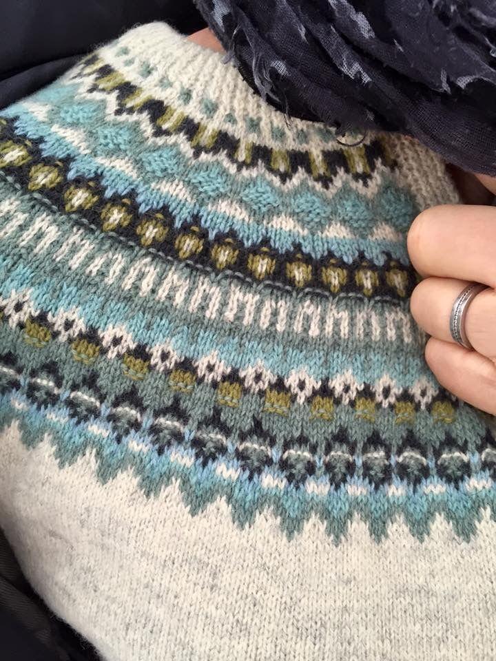 Inspirert av Bohus? Denne er strikket nedenfra og opp, ikke slik de tradisjonelle Bohusgenserne er laget.