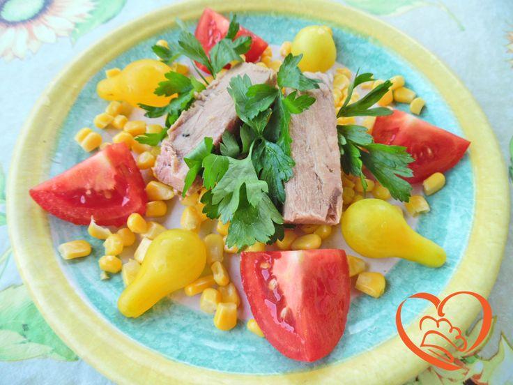 Inalata tonno in tranci, mais, pomodori vari ,prezzemolo (no ricetta)