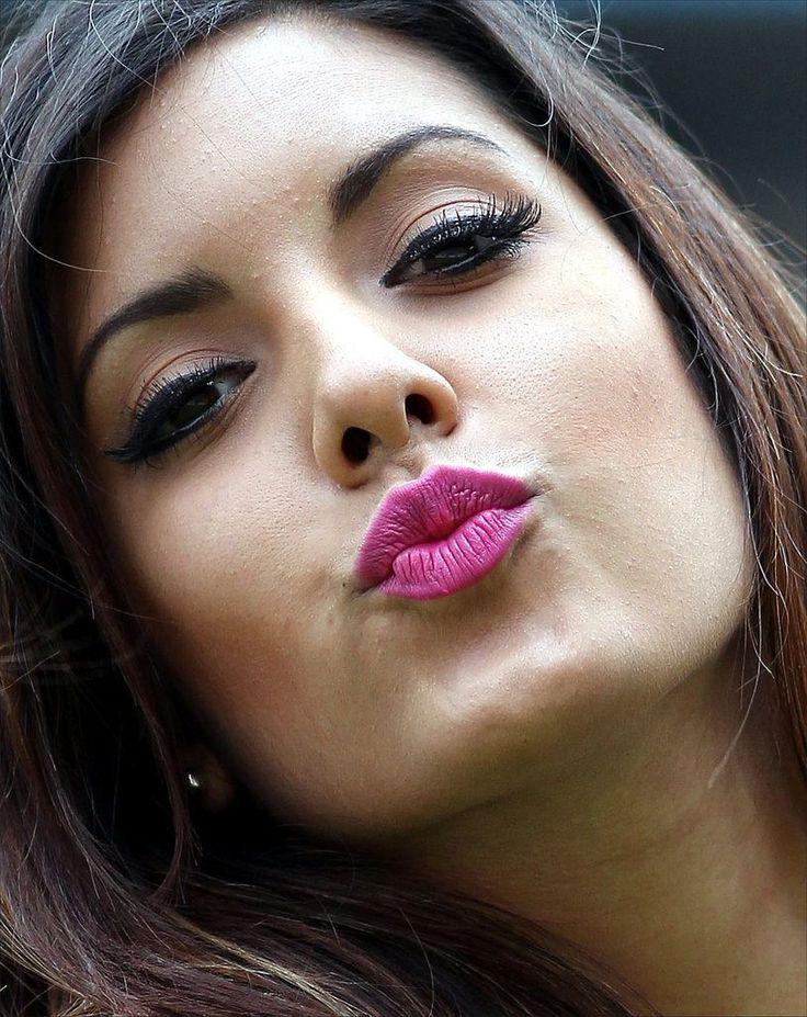busty-lipstick-facial-sex-stories