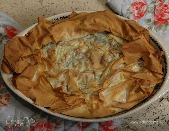 Хрустящий пирог со шпинатом и творогом