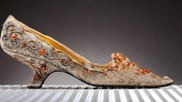 Designeri pantofi – 10 designeri de top care dau tonul in moda on http://www.fashionlife.ro