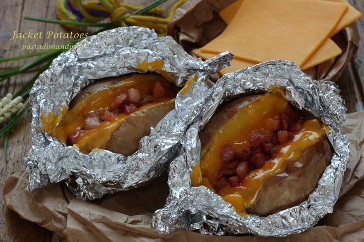 JACKET POTATOES - patate al cartoccio