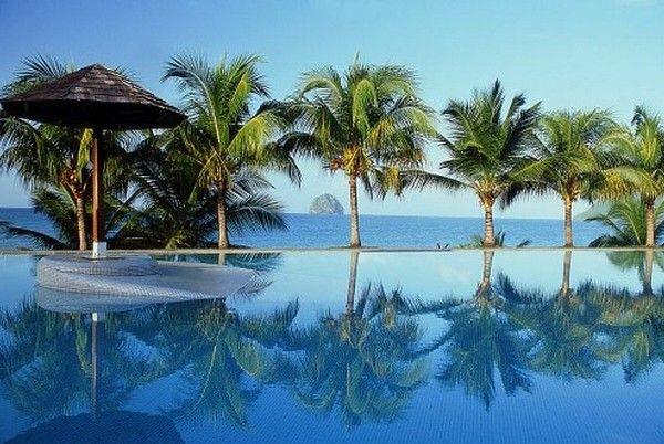 Piscine ou plage ? #Martinique #Hôtel #Diamant