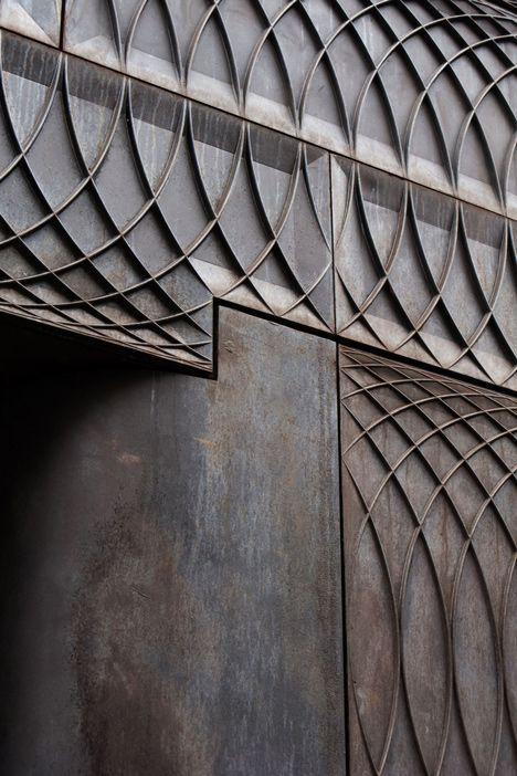 Paul Smith Albemarle Street cast iron facade by 6a Architects